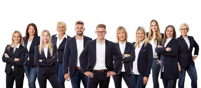 Da Team der Köhl-Jetter Immobilien GmbH und Köhl Hausverwaltungen GmbH & Co. KG